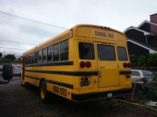 インターナショナル スクールバス