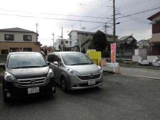 100円レンタカー箕面店の写真3