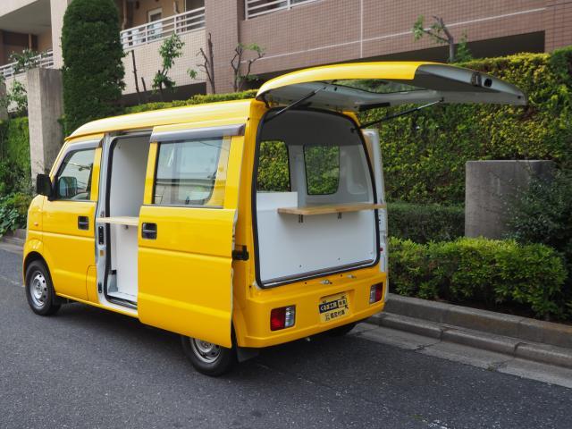 スズキ エブリィ 移動販売車 キッチンカー ケータリング車 シンク2個付き 水ポンプ2個付き カウンター2セット付き